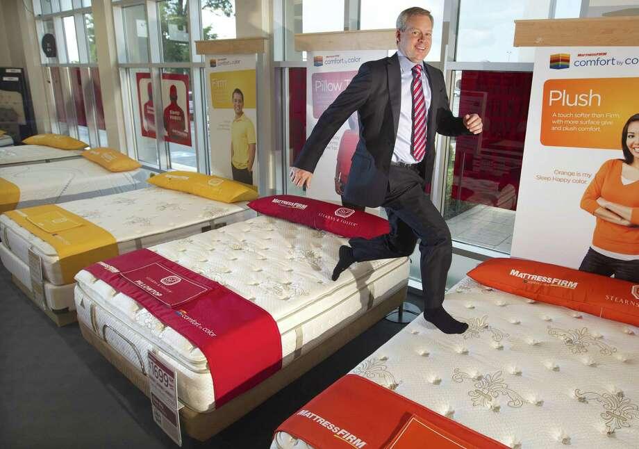 mattress firm rises and shines san antonio express news. Black Bedroom Furniture Sets. Home Design Ideas