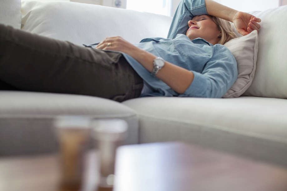 RESTIf you are tired during the day, take a nap, but limit it to 15 to 20 minutes. Photo: Hero Images, Getty Images/Hero Images / Hero Images