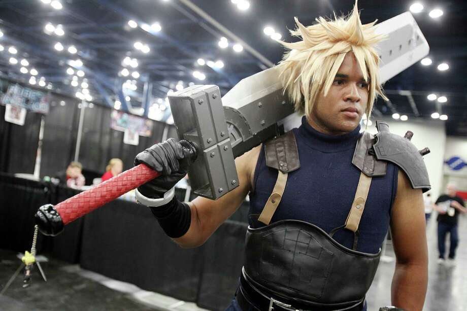 Ricky Burton is ready for battle as Cloud Strike. Photo: Mayra Beltran, Staff / © 2013 Houston Chronicle