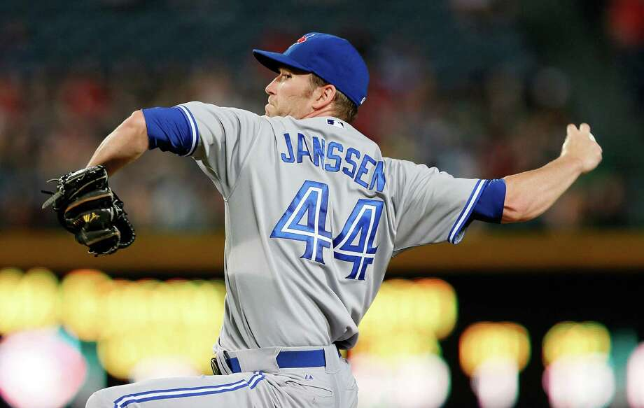 Toronto's Casey Janssen finished off a combined shutout of Atlanta with a perfect ninth inning. Photo: Kevin C. Cox / Getty Images