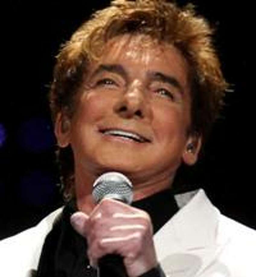 Barry Manilow's face seems a little too feminine. Photo: Varela Media