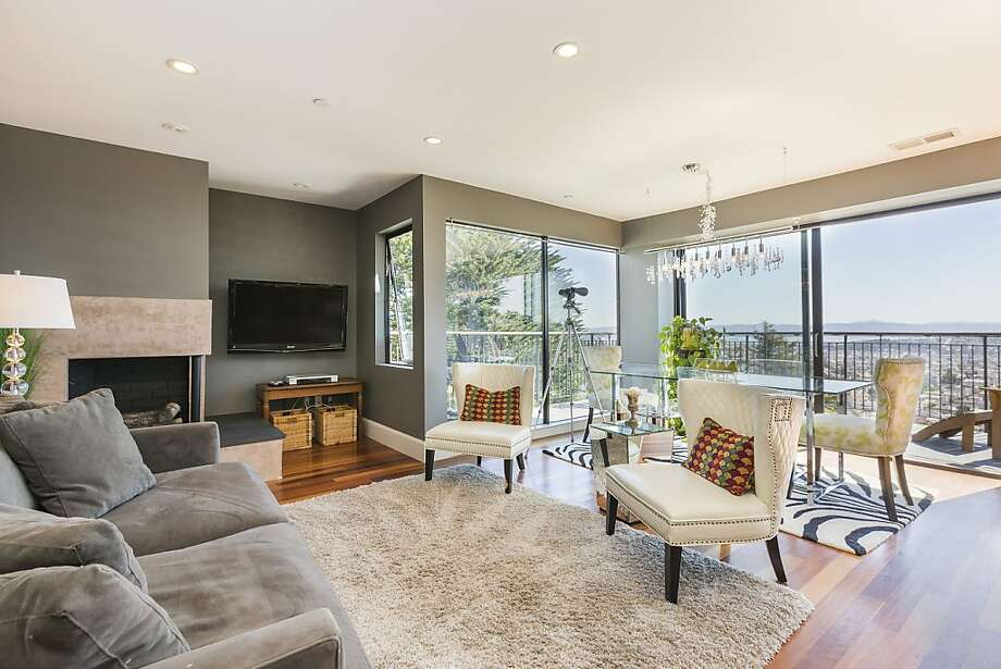 647 Grand View Ave., No. 3, $799,000 Photo: Robert Jordan/Whistle Photograph