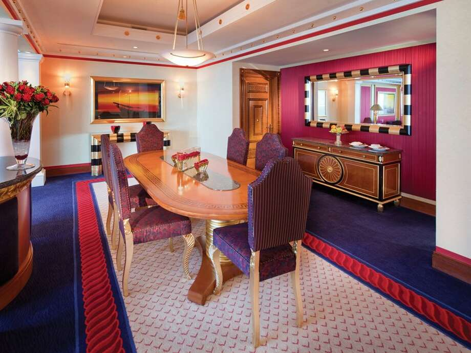 Other suites have full dining rooms.Source:Business Insider Photo: Business Insider