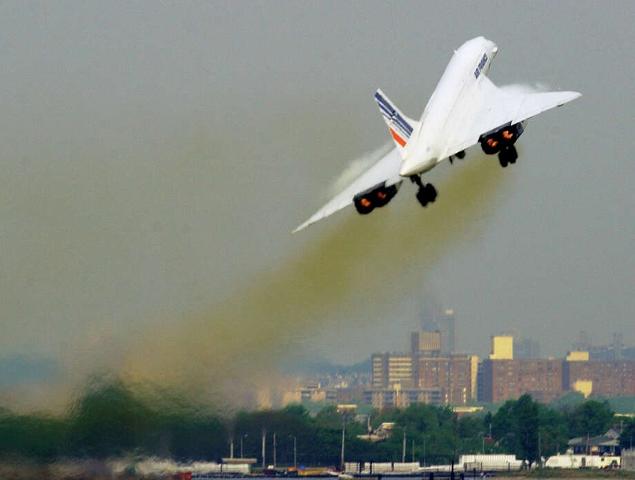 Air France Concorde flight AF 001 takes off on its final commercial flight on May 31, 2003, departing New York for Paris. Photo: STAN HONDA, AFP/Getty Images / 2010 AFP