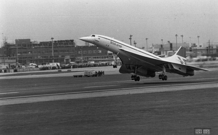 The first commercial Concorde flight takes off from Heathrow Airport, London, on January 21, 1976. Photo: Evening Standard, Getty Images / Hulton Archive