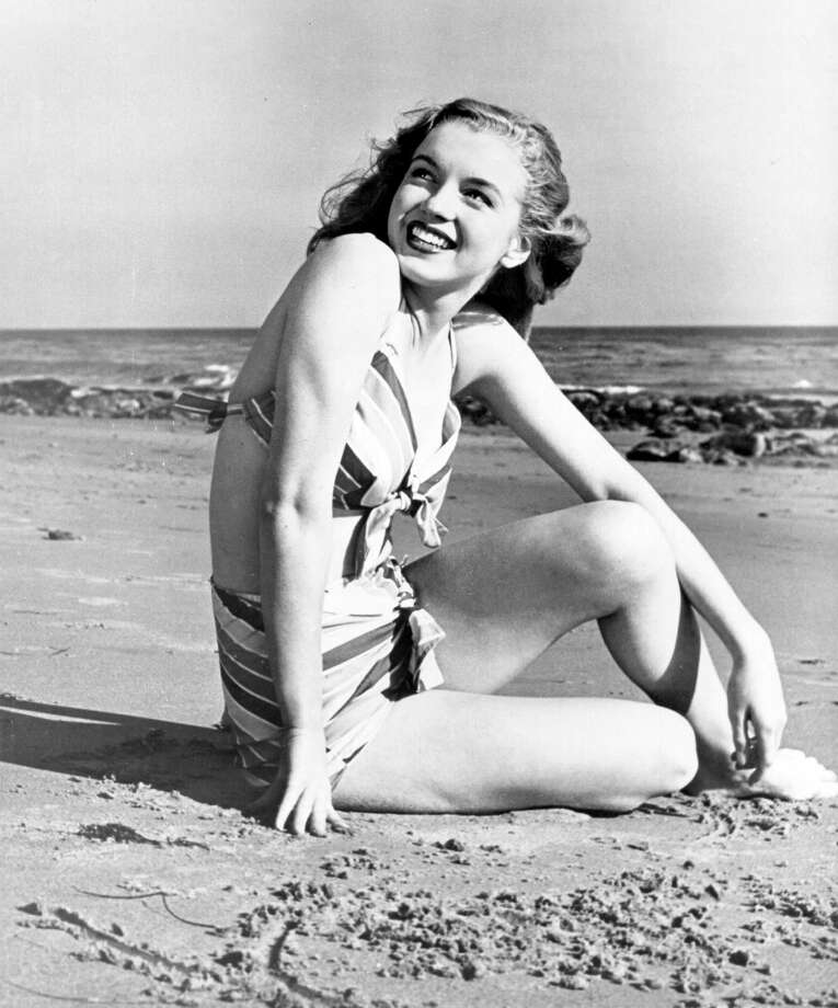 CIRCA 1948: Actress Marilyn Monroe poses for a portrait in a bathing suit and high heels in circa 1948. (Photo by Michael Ochs Archives/Getty Images) Photo: Michael Ochs Archives, Multiple / Michael Ochs Archives