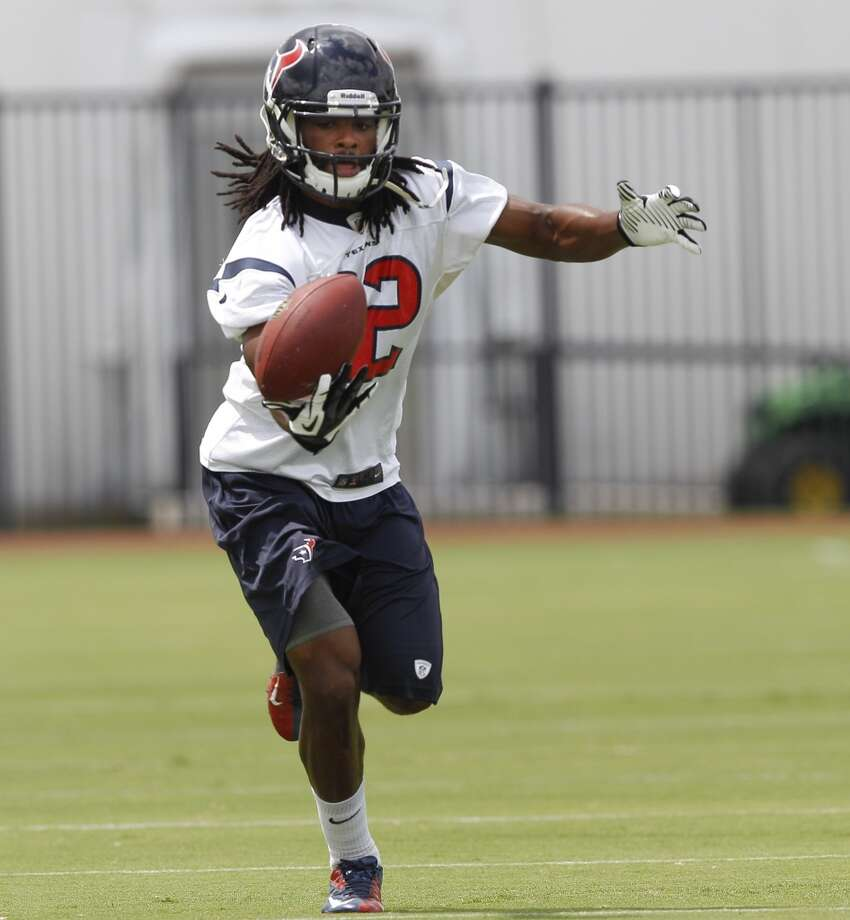 Texans wide receiver Keshawn Martin hauls in a pass.