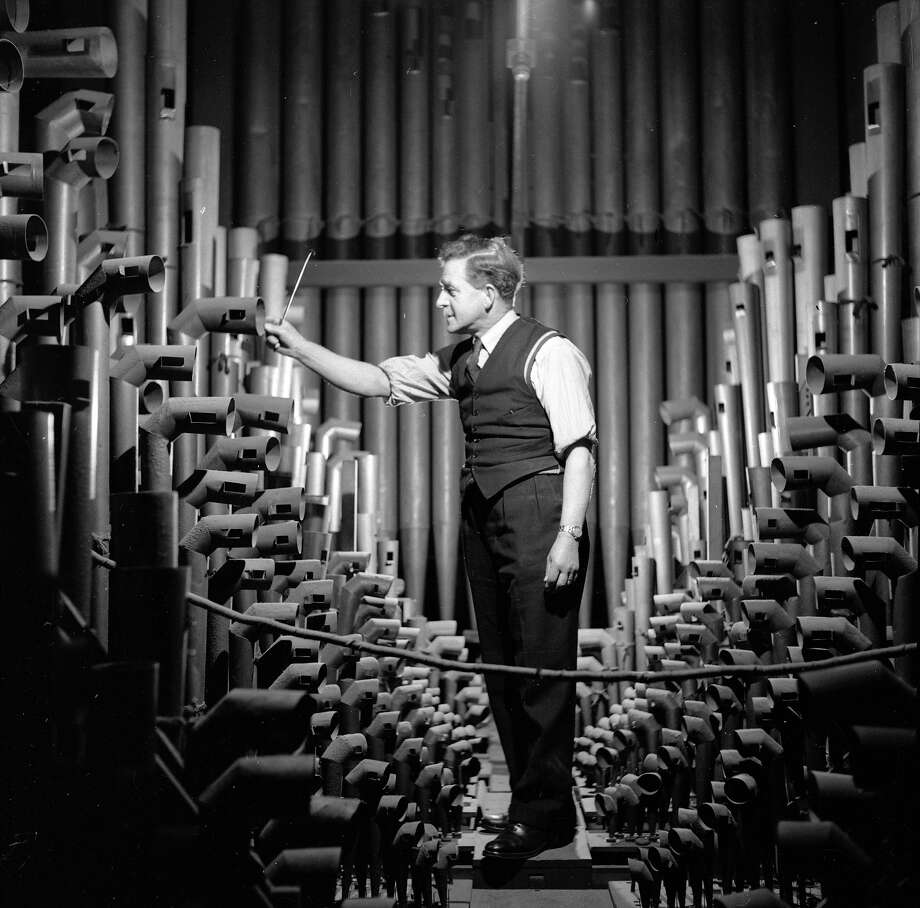 The organ pipes at Westminster Abbey being cleaned in preparation for the coronation ceremony. Photo: Charles Hewitt, Getty Images / Picture Post