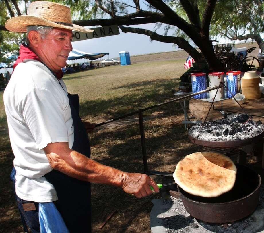 Texas  State bread: Pan de Campo