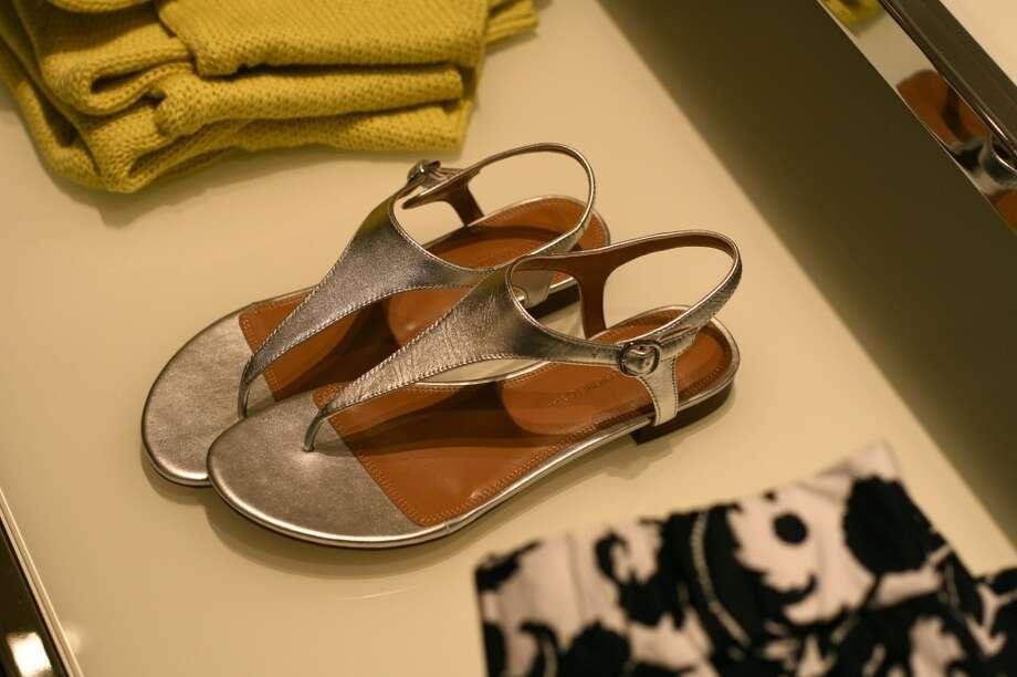 A summer staple: the metallic sandal.