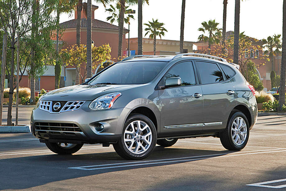 2013 Nissan Rogue SV AWD (photo courtesy Nissan) Photo: Nissan / © 2012 Nissan