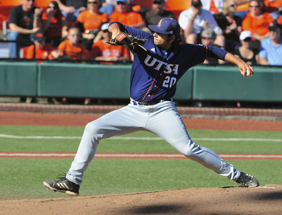 UTSA's Nolan Trabanino allowed three runs — only one earned — on seven hits in five-plus innings against Oregon State. Photo: Greg Wahl-Stephens / Associated Press