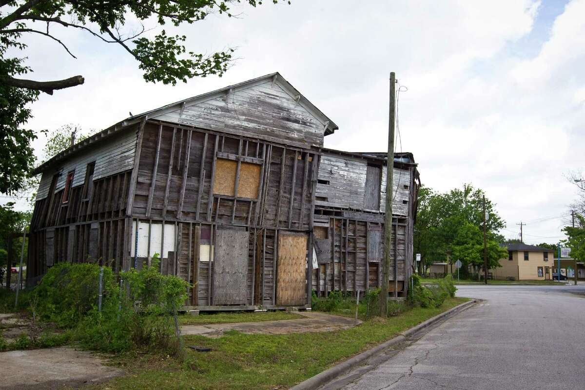 Independence Heights had a City Hall when the neighborhood was an incorporated city. An area council hopes to renovate it.