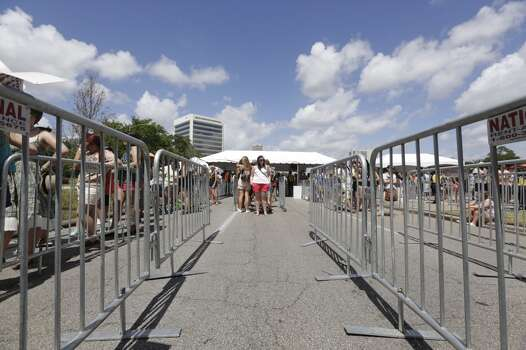 Lindsey Sheffield from lake Charles waits for the gate to open at FPSF 2013.   (Todd Spoth photo)