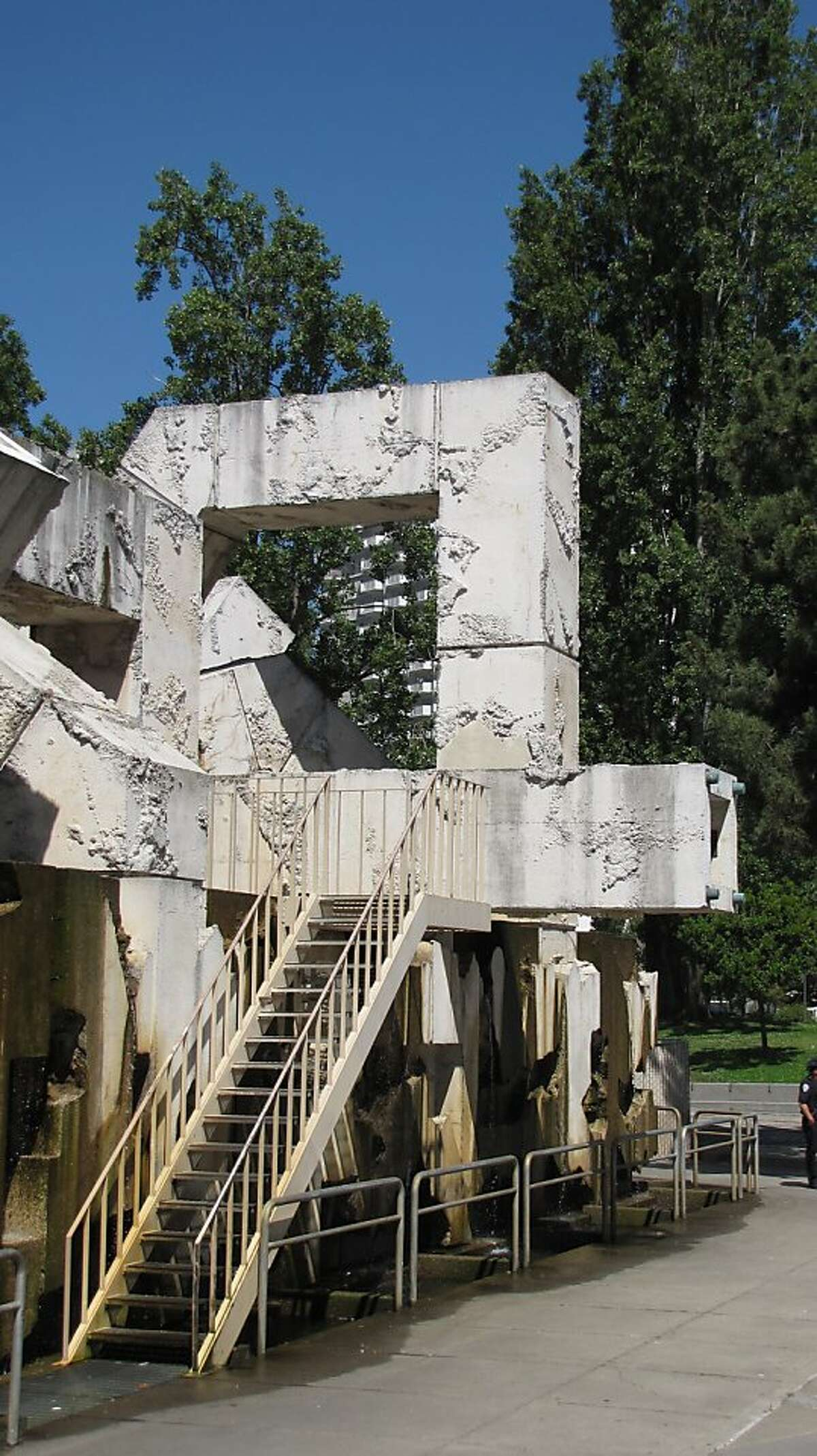 The Vallaincourt Fountain opened in 1971 alongside the Embarcadero Freeway, a determinedly harsh counterpart to the hulking elevated decks. Now the freeway is gone and the sculpture remains -- a contextual design for a context that no longer exists.