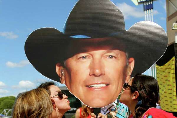 mySpy: The George Strait Concert at the Alamodome on Saturday, June 1, 2013.