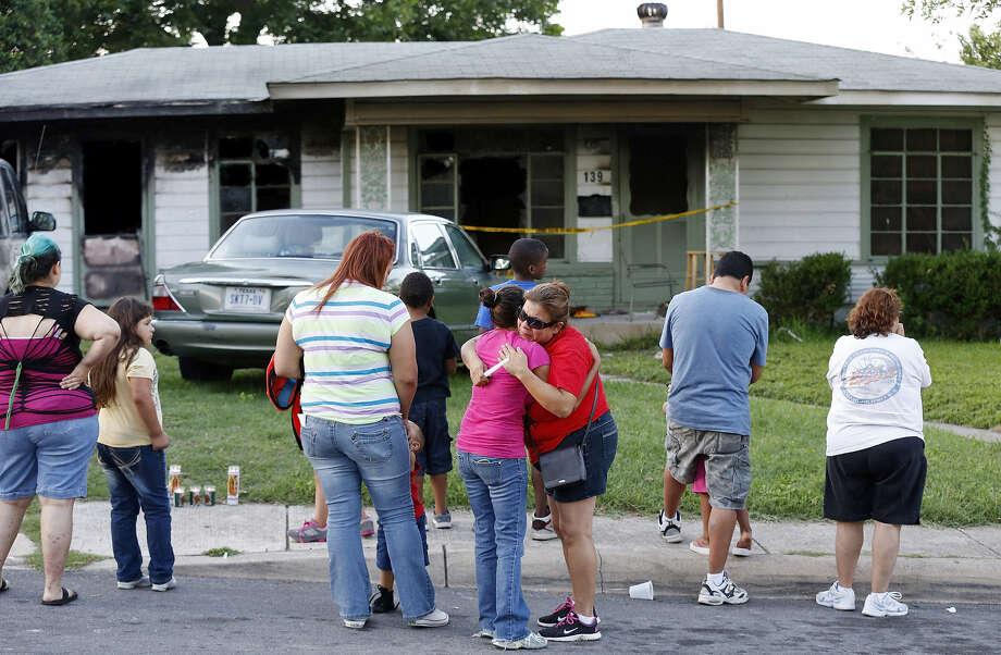 Family S Sunshine Dies In East Side Fire San Antonio