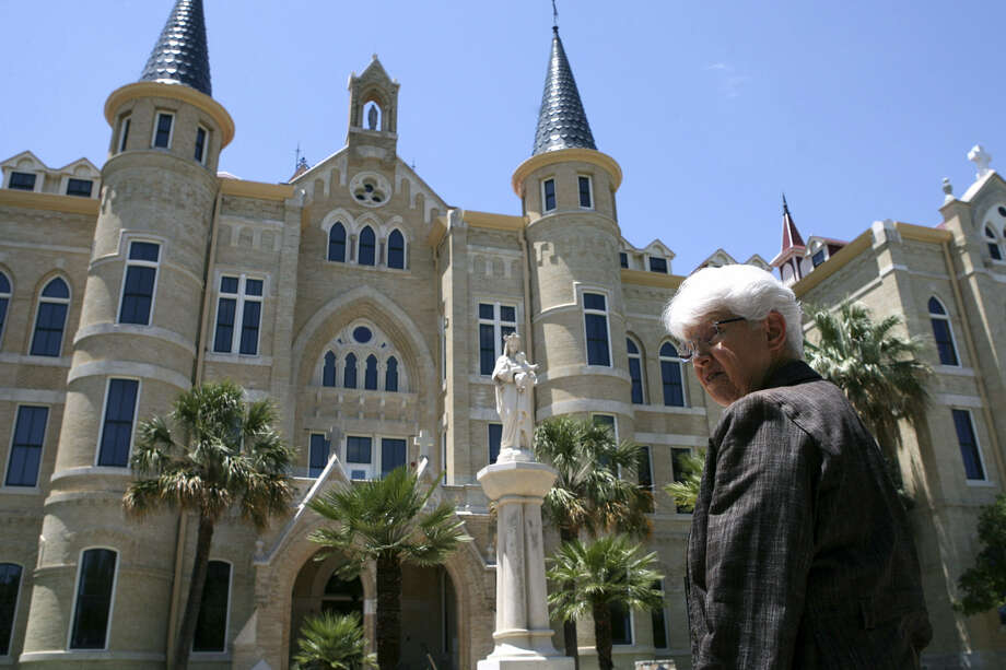 Sister Jane Ann Slater, 76, took over OLLU in the wake of a controversial decision to eliminate 12 degree majors. Photo: Cynthia Esparza / For The Express-News