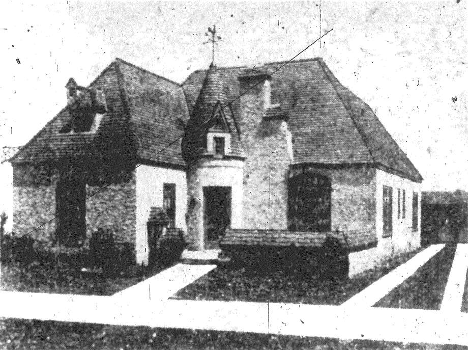 The above house in the 1600 block of West Rosewood Avenue, in Parkmoor Place, was purchased last week by Mr. and Mrs. Jean Sarli. These homes are being built by the Gasranty Building Corporation, developers of Parkmoor Place. Published in the San Antonio Express June 10, 1928. Photo: File Photo