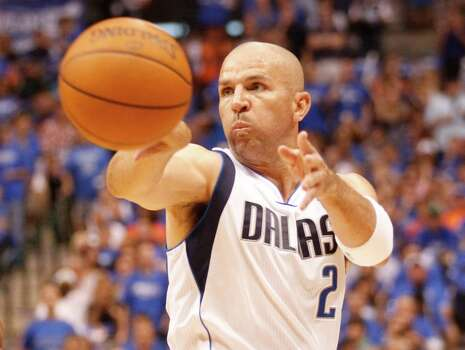 The Dallas Mavericks' Jason Kidd makes a pass against the Oklahoma City Thunder in Game 4 of the first-round Western Conference playoff series at the American Airlines Center in Dallas, Texas, on Saturday, May 5, 2012. (Ron Jenkins/Fort Worth Star-Telegram/MCT) Photo: Ron Jenkins, McClatchy-Tribune News Service / Fort Worth Star-Telegram