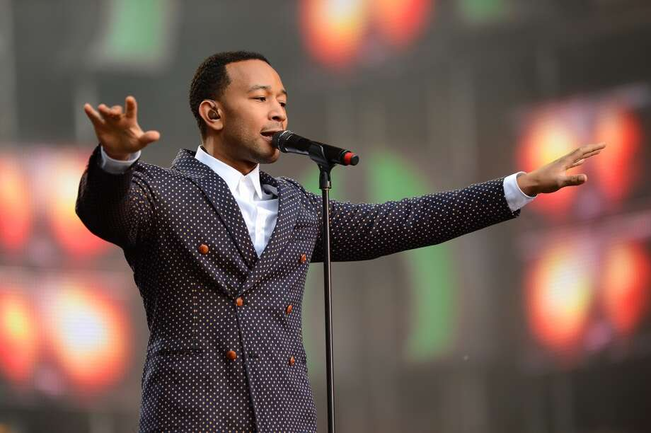 "LONDON, ENGLAND - JUNE 01:  Singer John Legend performs on stage at the ""Chime For Change: The Sound Of Change Live"" Concert at Twickenham Stadium on June 1, 2013 in London, England. Chime For Change is a global campaign for girls' and women's empowerment founded by Gucci with a founding committee comprised of Gucci Creative Director Frida Giannini, Salma Hayek Pinault and Beyonce Knowles-Carter.  (Photo by Ian Gavan/Getty Images for Gucci)"