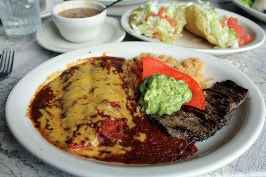 San Antonians love their Mexican food - but at what cost? Navigating the  world of Mexican food (or a Texan version of Mexican food, anyway) means dodging nutritional landmines and deflecting  pounds from your waistline. Here are our top tips to allow you to enjoy this ethnic cuisine without a calorie catastrophe. Photo: Jennifer McInnis, San Antonio Express-News / San Antonio Express-News