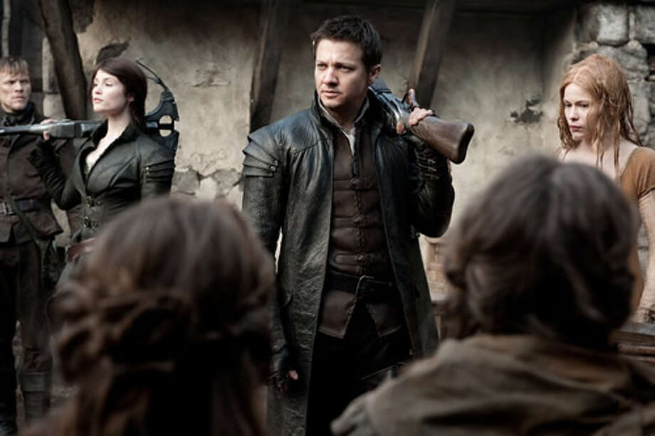 Gemma Arterton as Gretel, Jeremy Renner as Hansel and Pihla Viitala as Mina.