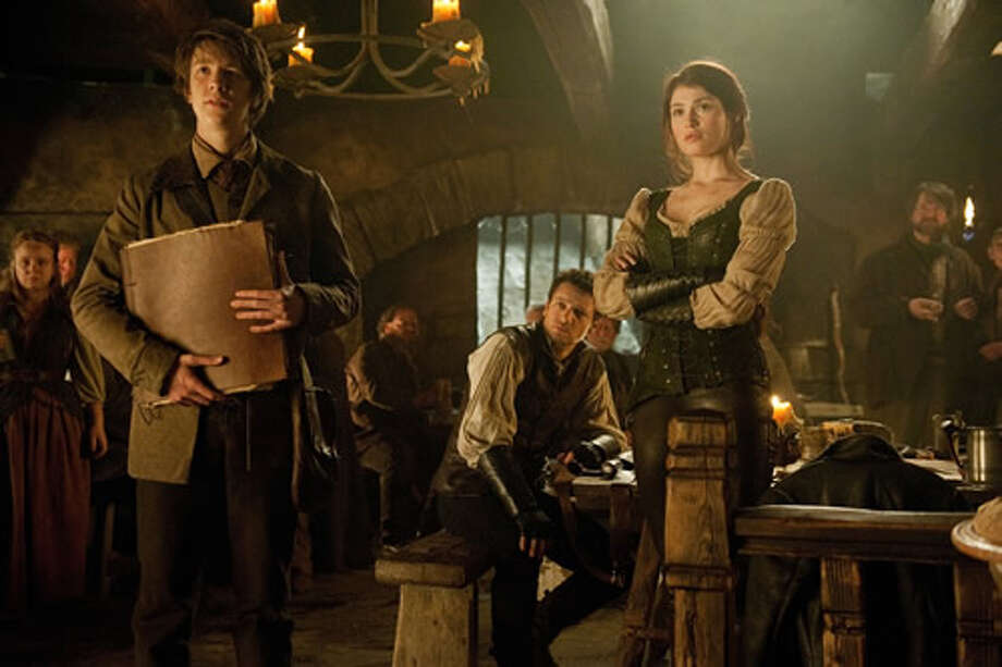"Thomas Mann as Benjamin ""Ben"" Wosser, Jeremy Renner as Hansel and Gemma Arterton as Gretel."
