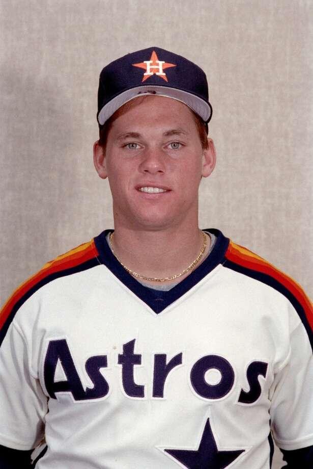 1987 - Craig BiggioPicked: No. 22Position: CatcherSchool: Seton Hall Photo: Dave Einsel, Chronicle