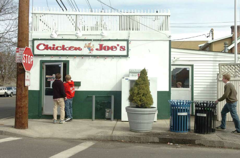 Chicken Joe's in Cos Cob. Photo: Helen Neafsey, ST / Greenwich Time
