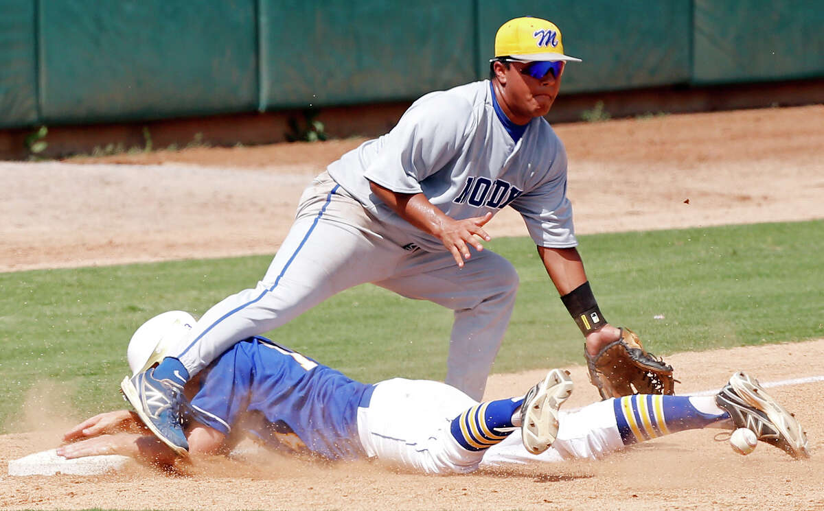 Alamo Heights' Tommy Barrow steals third as Corpus Christi Moody's Ricky Gonzalez waits for the throw during the second inning Saturday June 1, 2013 at Wolff Stadium.
