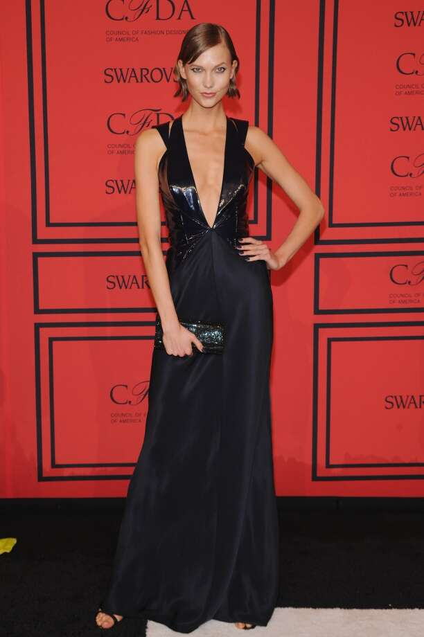 NEW YORK, NY - JUNE 03:  Karlie Kloss attends 2013 CFDA FASHION AWARDS Underwritten By Swarovski - Red Carpet Arrivals at Lincoln Center on June 3, 2013 in New York City.  (Photo by Bryan Bedder/Getty Images for Swarovski)