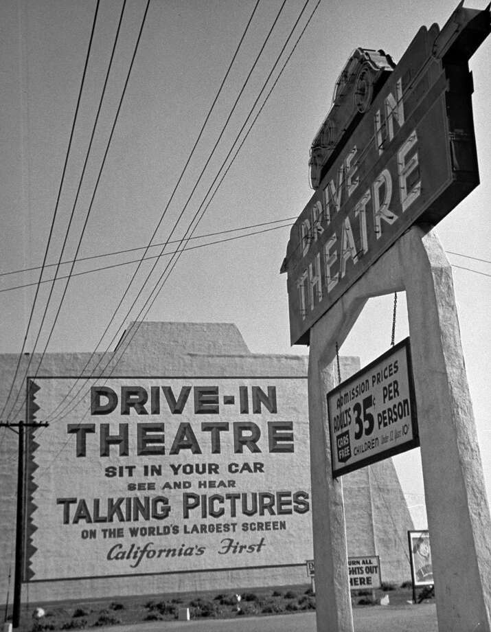 Sign for the world's largest screen at entrance to a drive-in theater in California in 1938. Photo: Peter Stackpole, Time & Life Pictures/Getty Image / Time Life Pictures