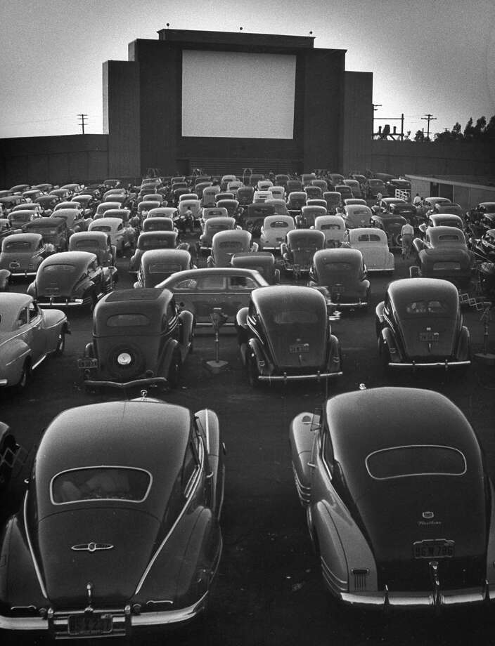 Cars filling lot at new Rancho Drive-In Theater at dusk before the start of the feature movie in 1948. Photo: Allan Grant, Time & Life Pictures/Getty Image / Time Life Pictures