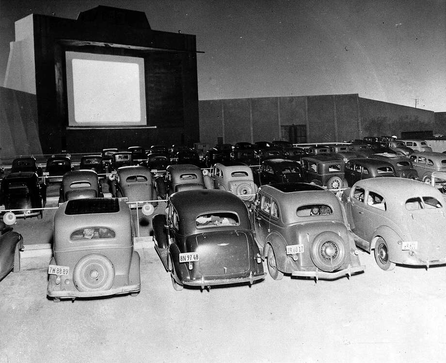 An L.A. drive-in in the 1930s. Photo: Popperfoto, Popperfoto/Getty Images / Popperfoto