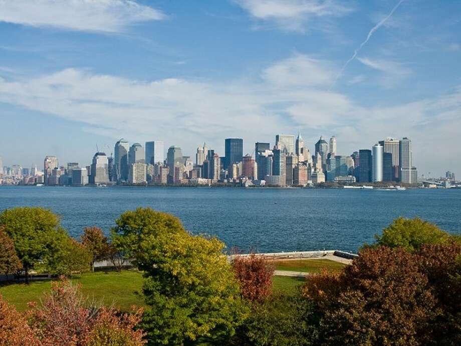 City: New York CityPercentage: 64.5Source: iSeeCars