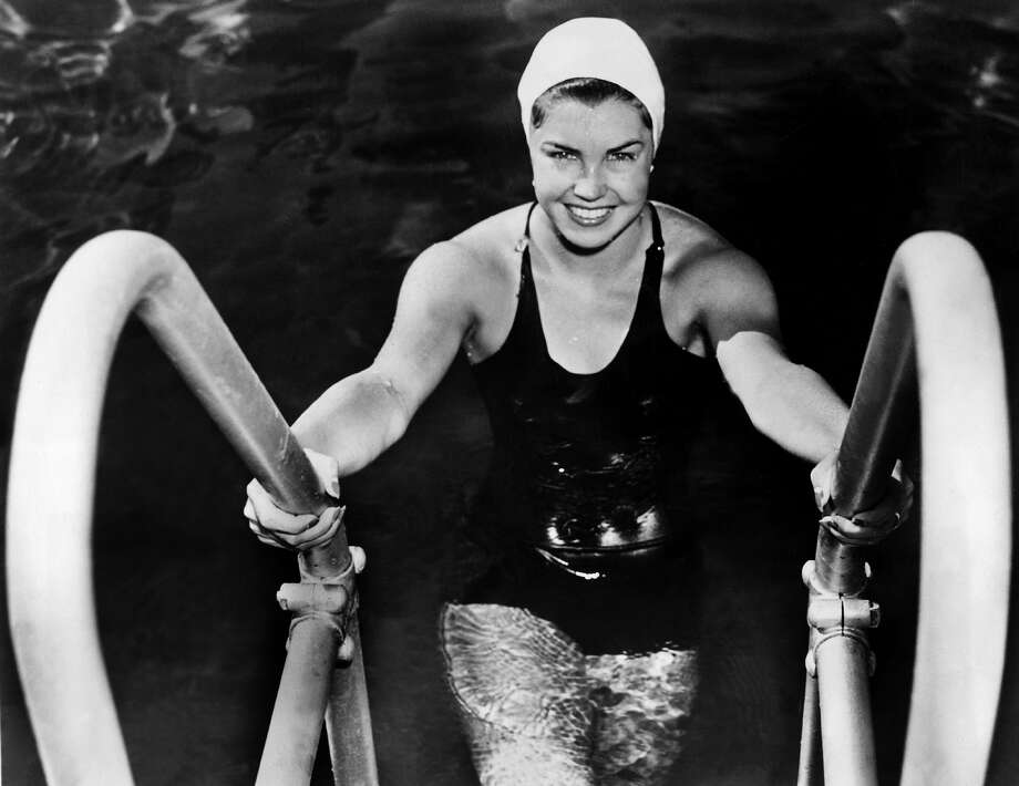 American Swimmer Esther Williams, member of the Los Angeles Athletic Club Swim Team after winning the 100M freestyle at the American Swimming Championships In Iowa, July 28, 1939. Photo: Keystone-France, Gamma-Keystone Via Getty Images / Gamma-Keystone
