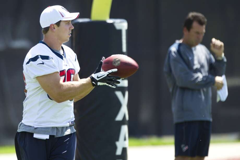 Texans tight end Garrett Graham (88) makes a catch in the end zone.