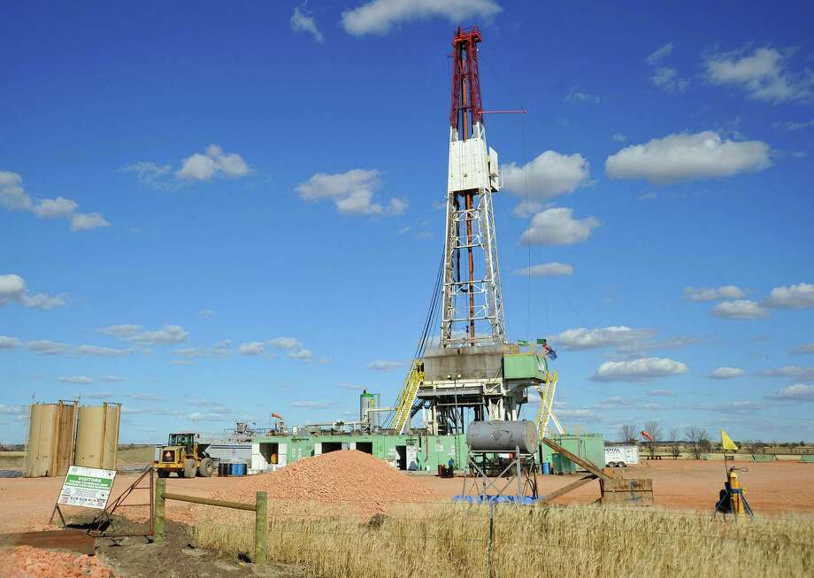 An oil rig near Ray, N.D. In the U.S., North Dakota had the highest economic growth because of the oil industry. Photo: Karen Bleier / Getty Images