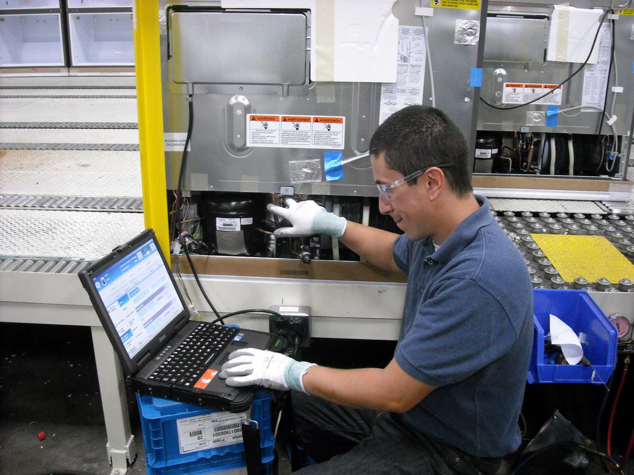 Ge Service Technician Companies Wise Up With Smart Appliances Houston Chronicle