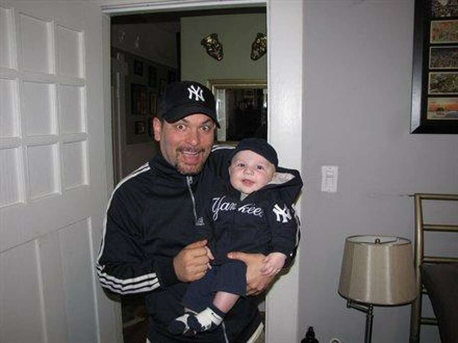 Some dads and sons are Yankee fans. Photo: Etemple