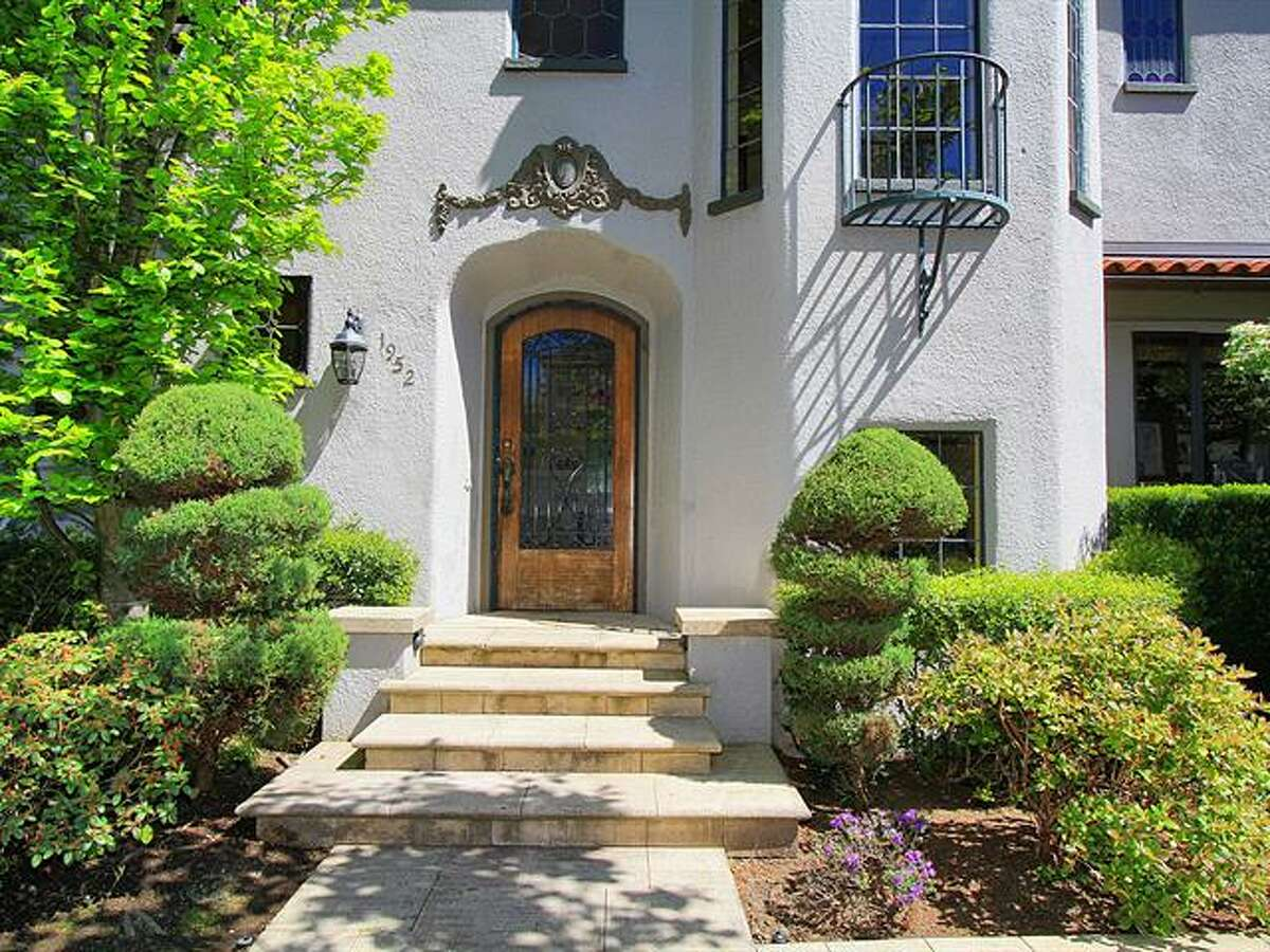 Front of 1952 Shenandoah Drive East. The 5,380-squarep-foot house, built in 1928, has five bedrooms, 3.5 bathrooms, a family room with a fireplace, French doors, tile and wood floors, a wine cellar, a terrace and a patio with a fountain on a quarter-acre lot. It's listed for $2.595 million.