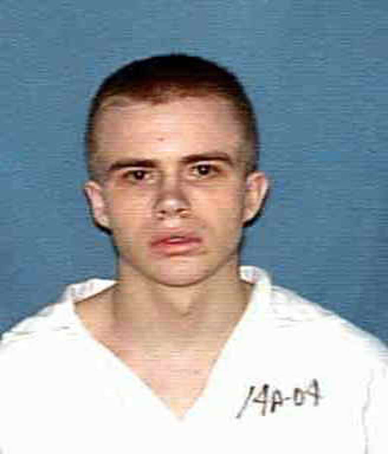 Robert Pruett (cq), Houston resident, has been indicted for the murder of a prison guard in Beeville, Tx. HANDOUT PHOTO   HOUCHRON CAPTION (03/22/2000):     Pruett.