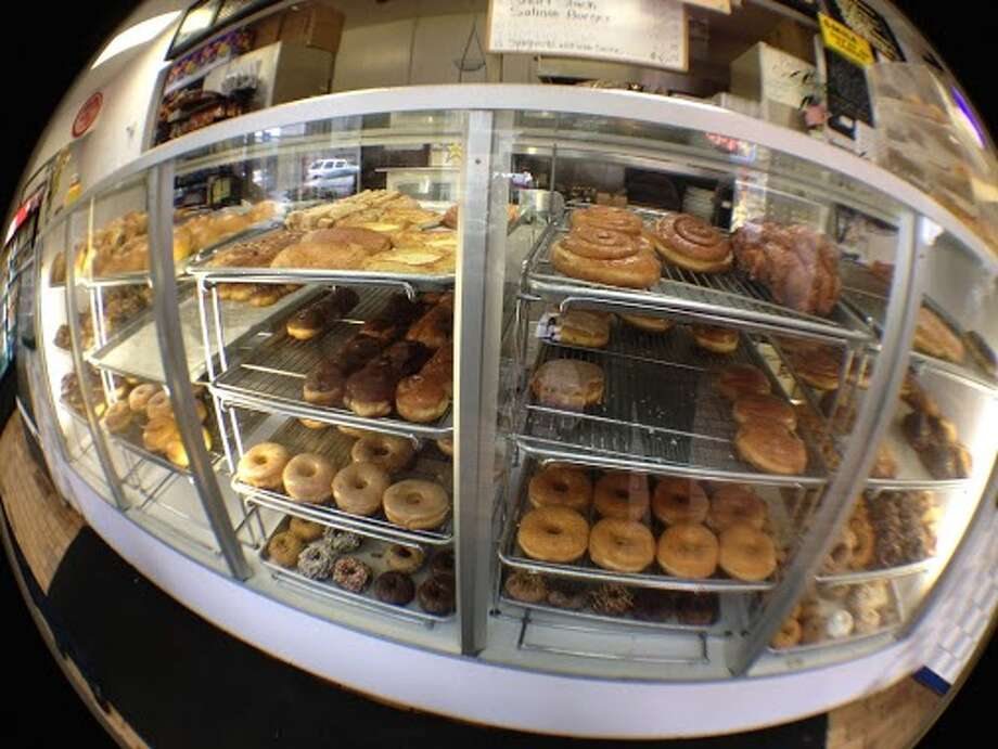 A little bit old school and a lot to choose from at All Star Donuts, 399 5th St, San Francisco. Photo: Amy Higgins
