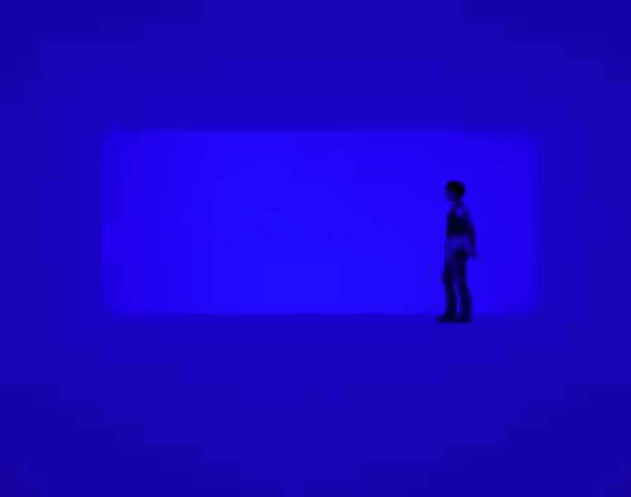 "James Turrell's ""End Around: Ganzfeld."" Photo: Florian Holzherr, Museum Of Fine Arts, Houston / ONLINE_YES"