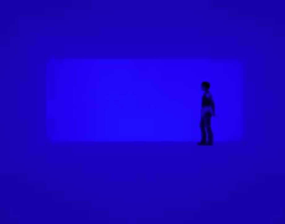 "James Turrell's ""End Around: Ganzfeld."" Photo: Florian Holzherr, Museum Of Fine Arts, Houston / ONLINE_YES"