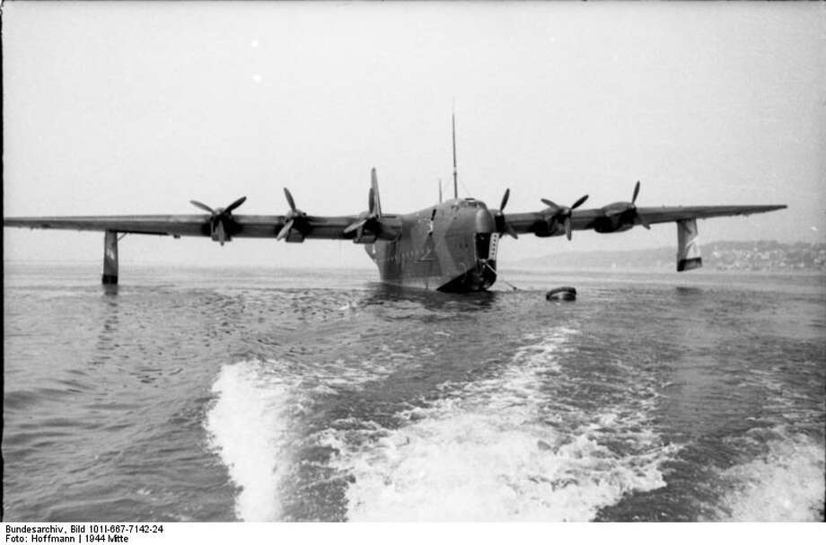 The German Blohm & Voss BV 238 was the heaviest aircraft yet when it first flew in 1944. Photo: Hoffmann, Wikimedia Commons, Bundesarchiv