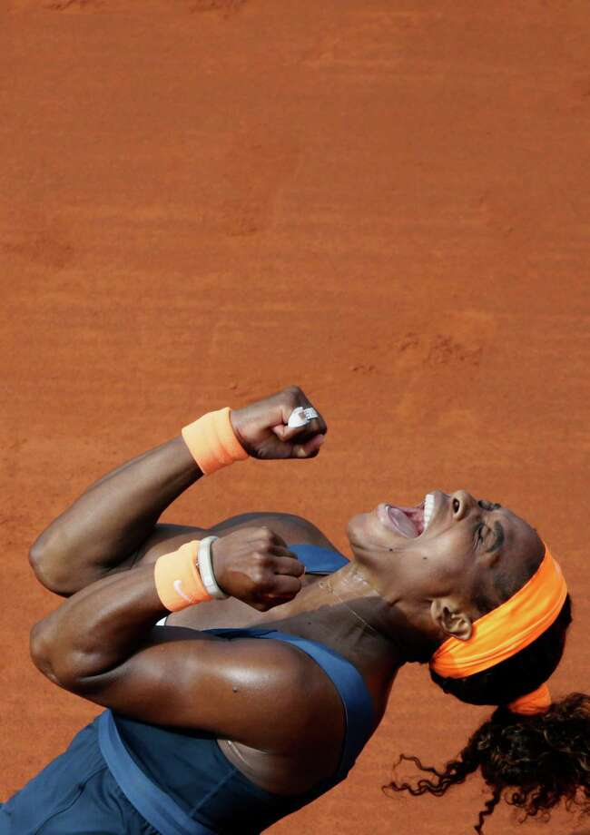 Serena Williams finally got to rejoice on the red clay in Paris, where she last won the title in 2002. Photo: KENZO TRIBOUILLARD, Stringer / AFP