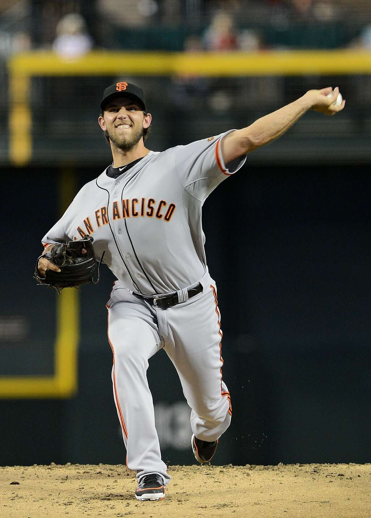 PHOENIX, AZ - JUNE 08: Starting pitcher Madison Bumgarner #40 of the San Francisco Giants pitches against the Arizona Diamondbacks in the first inning at Chase Field on June 8, 2013 in Phoenix, Arizona. (Photo by Jennifer Stewart/Getty Images)