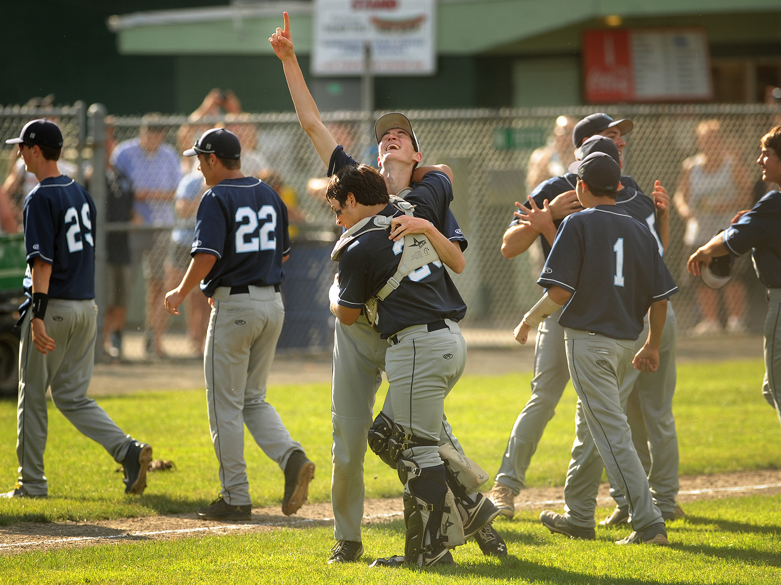 Oxford baseball wins C...
